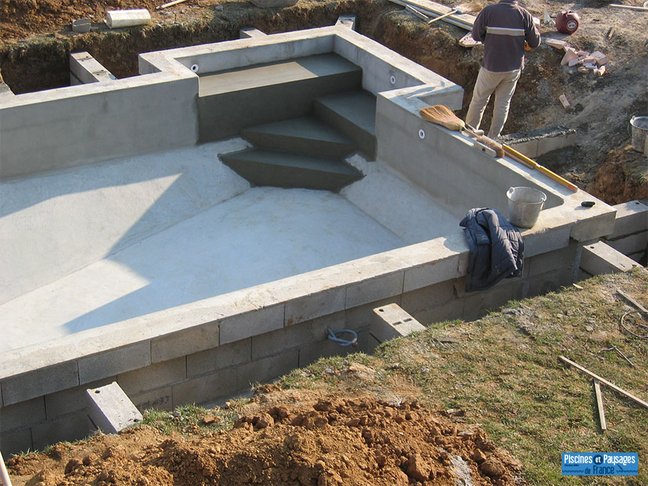 Construction et r novation piscines piscines et paysages for Construction de piscine 30
